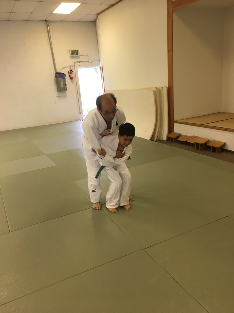 Yasseen practicing his Ipon Sionage with Park Sensei